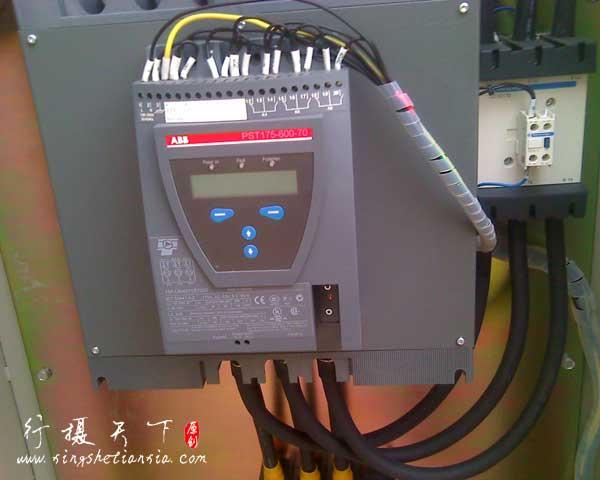 工艺压缩机防爆控制柜内的ABB软启动器