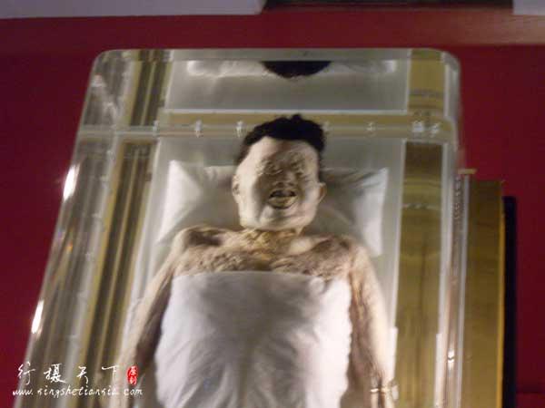 长沙马王堆汉墓千年女尸