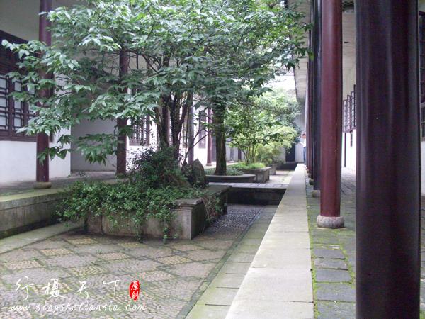 岳麓书院内景,右侧为历史馆