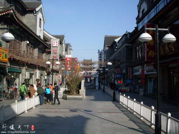 南入口看天津鼓楼商业文化街