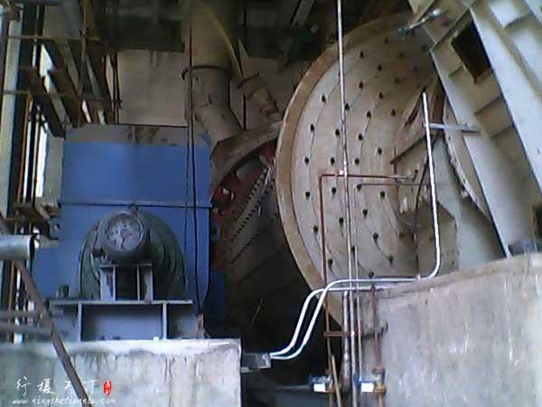 磨煤用的球磨机