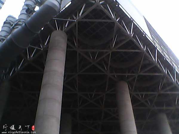 风冷系统,代替以前的水冷却塔