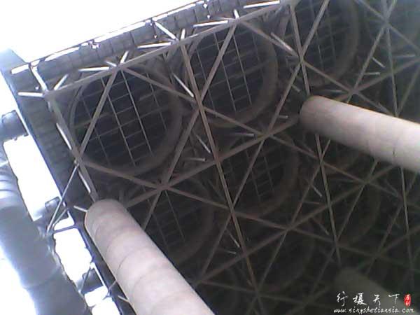 电厂风冷系统,代替以前的水冷却塔