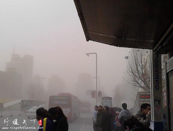 2013年3月9日石家庄沙尘暴现场照片