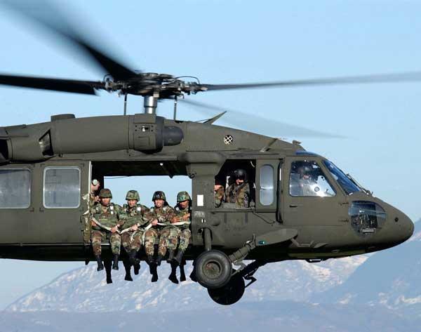 """""""黑鹰""""直升机在中国"""