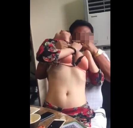 江苏村干部被曝不雅视频:饭桌上脱女子衣服