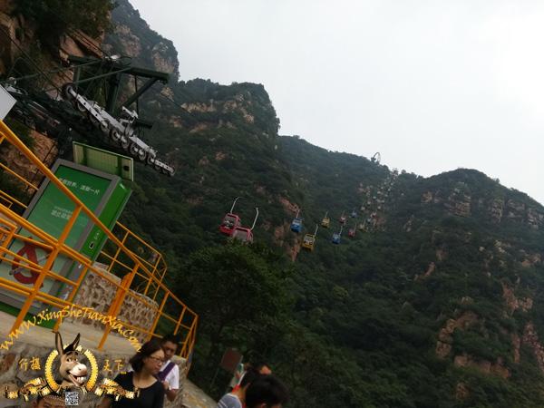 缆车到不了山顶,还得爬
